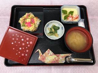 お正月三が日の昼食